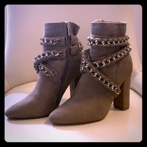 Cape Robbin Size 8 Taupe Booties with Chain Detail